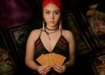Alessandra divinazione tarocchi foto