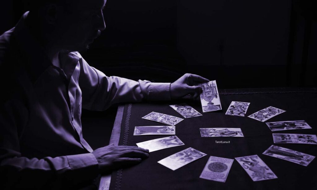 cartomanzia dalla svizzera cartomante che legge carte